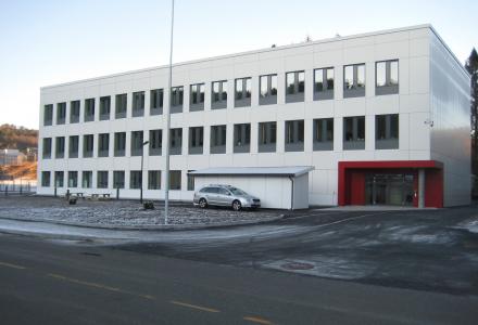 GJERRIG: Dette bygget er trolig det mest energigjerrige i Bergen. Bygget ligger på Haakonsvern og heter Visund. (Foto: Forsvarsbygg v/Arild Lunde)